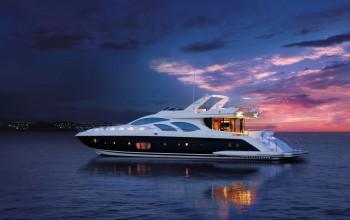 Yacht-berthing-acrus-shipping